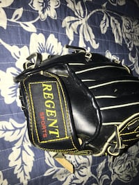 Softball / baseball glove