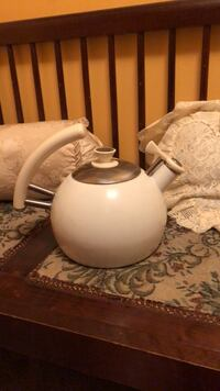 white ceramic pitcher with lid Buffalo, 25033