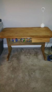 Wood desk Glen Burnie, 21060