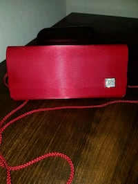 Red evening clutch Columbia, 21044