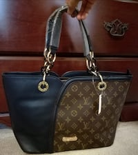 Beautiful Brown & Blue LV Leather Bag Mississauga, L4Z 3M4