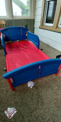 toddler's blue and red plastic bed frame Altoona, 16602