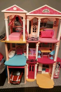 Barbie Dream House Plus Many Others!!! LIKE NEW!!! Greencastle, 17225