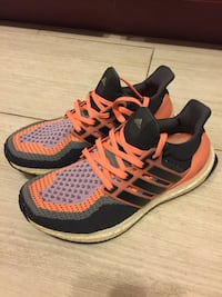 Adidas Ultraboost size 7.5 running shoes like new sneakers New York, 11204