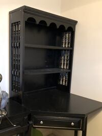 Corner table with shelf topper!! Peoria