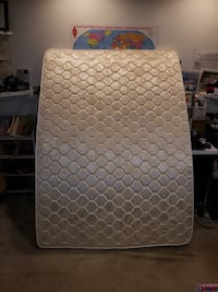 white and gray quatrefoil mattress Gaithersburg, 20879