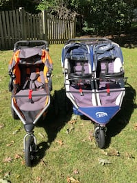 blue and black twin stroller Burke, 22015