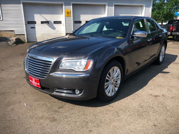 Clean CarFax 2014 CHRYSLER 300 C