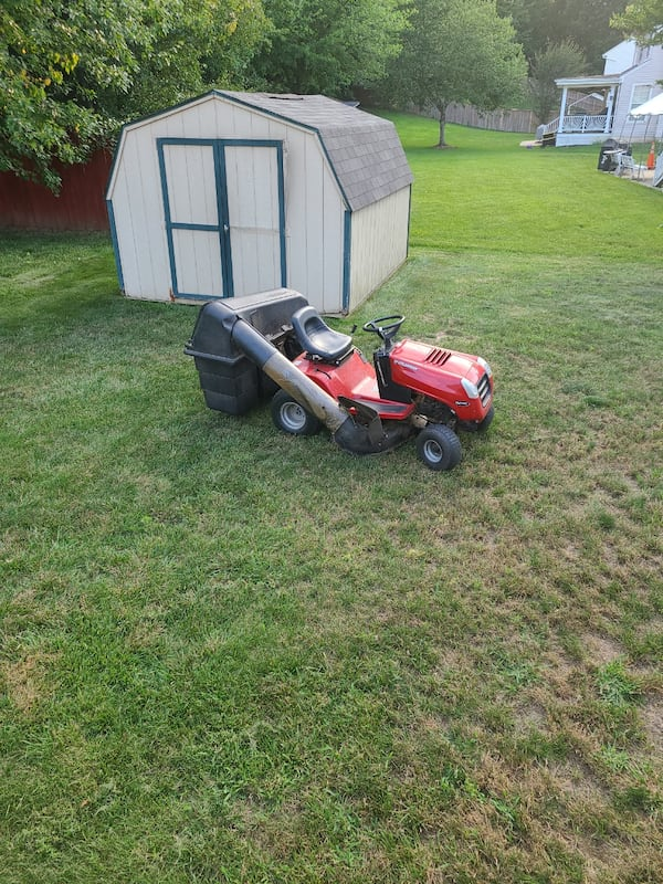 Riding mower needs a starter, Free with removal ea77fe92-3f02-4fff-be8a-2ab1e0ebbe03