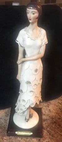 Flapper Statue - Valentino by Miriam Vaughan, L4H 2G1
