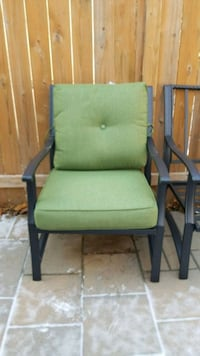 Patio set with 4 chairs and table.  New cushions Toronto, M2J 1Y2