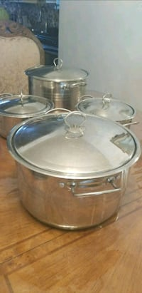 round gray stainless steel cooking pot 1022 mi