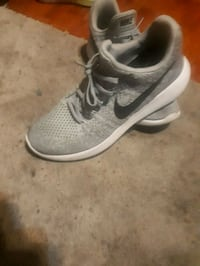 unpaired gray and white Nike running shoe Surrey, V3X 1N2