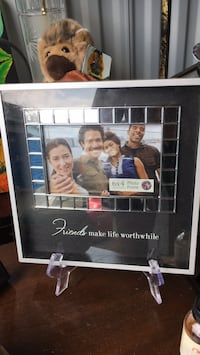 Friends make life wonderful picture frame Baltimore, 21206