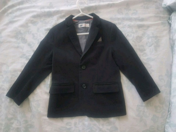 Size 4-5 h and m black blazer