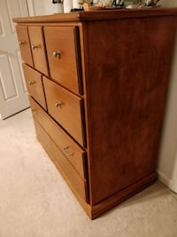 Solid wood chest of drawers large Lexington, 40505