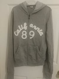 Grey california sweater , Almost new  Fresno, 93727
