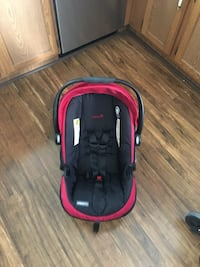 Carseat and strollerSafety first carseat and stroller red Calgary, T3K 3L1