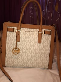 white and brown Michael Kors leather tote bag Palmdale, 93591