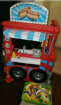 Little Tikes food cart / kitchen  with play food (Barrie)