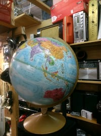 white and blue desk globe Laval, H7L 3C3
