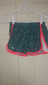 women's green and pink shorts Welland, L3B 1K8