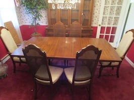 Moving Must Sell, American Drew Cherry Dining Room Set, Hutch, Curio