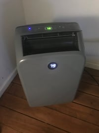 12k BTU Portable AC with remote 3 months old $300 Washington, 20010