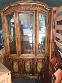 Beautiful china cabinet great storage for books, movies, or ????) Caldwell, 83687