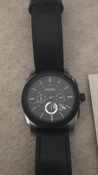 Fossil watch with leather strap great condition