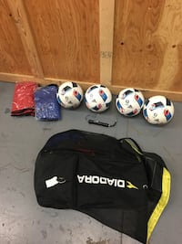 4 Adidas Soccer Balls with pump Toronto