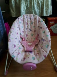 baby's white and pink bouncer Brant, N3L 4C8