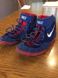 Wrestling Shoes NIKE, size 9 1/2, blue/red Smithtown, 11787