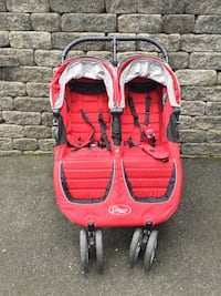 baby's red and black twin stroller Mountainside, 07092