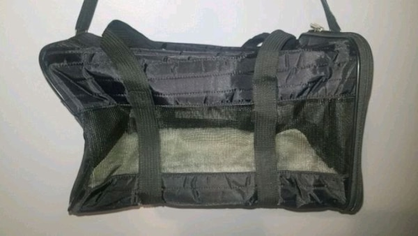 Used Sherpa pet carrier for sale in Port St. Lucie - letgo 58c66007b