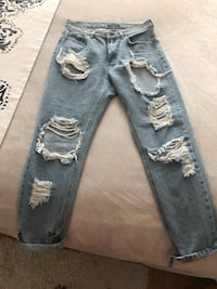 Ripped high waisted jeans Toronto, M9A 4L9