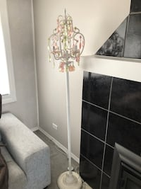 Standing lamp. Perfect for a girls room   Coquitlam, V3K