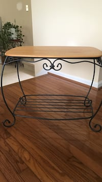 Longaberger Wrought Iron Treasure Basket w/ Oak Wood Top -Like New Frederick