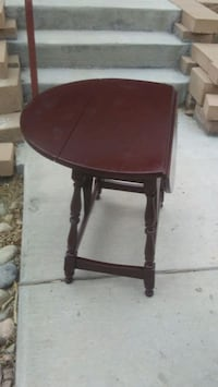 round brown wooden side table Colorado Springs, 80904