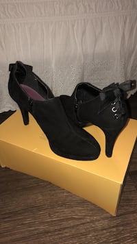 Pair of black suede heeled booties Thibodaux, 70301