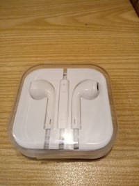 New/unused apple earphone for iPhone 5/6 Stockholm, 112 33