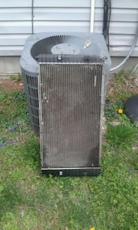 Used radiator out of a 2002 Pontiac Grand Am Rockwood, 37854