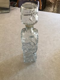 Whiskey Glass Decanter in Excellent Condition! 936 mi