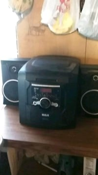 3 disc CD player Watauga, 37694