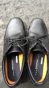 pair of black Rockport leather dress shoes Geneva, 60134