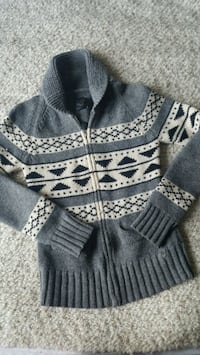 TNA Lambswool Sweater size small Surrey, V3T