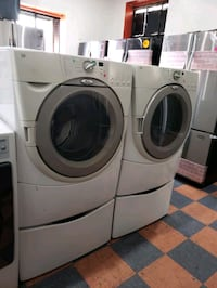 WHIRLPOOL DUET FRONT LOAD WASHER AND GAS DRYER SET Riverside, 92503