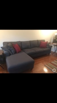 Sofa chaise sectional - Haverty's Corey model. Springfield, 22152