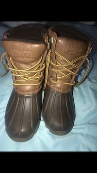 Sperry boot size 13 in kids  43 km