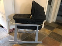 Uppababy Vista Bassinet and Jolly Jumper Stand